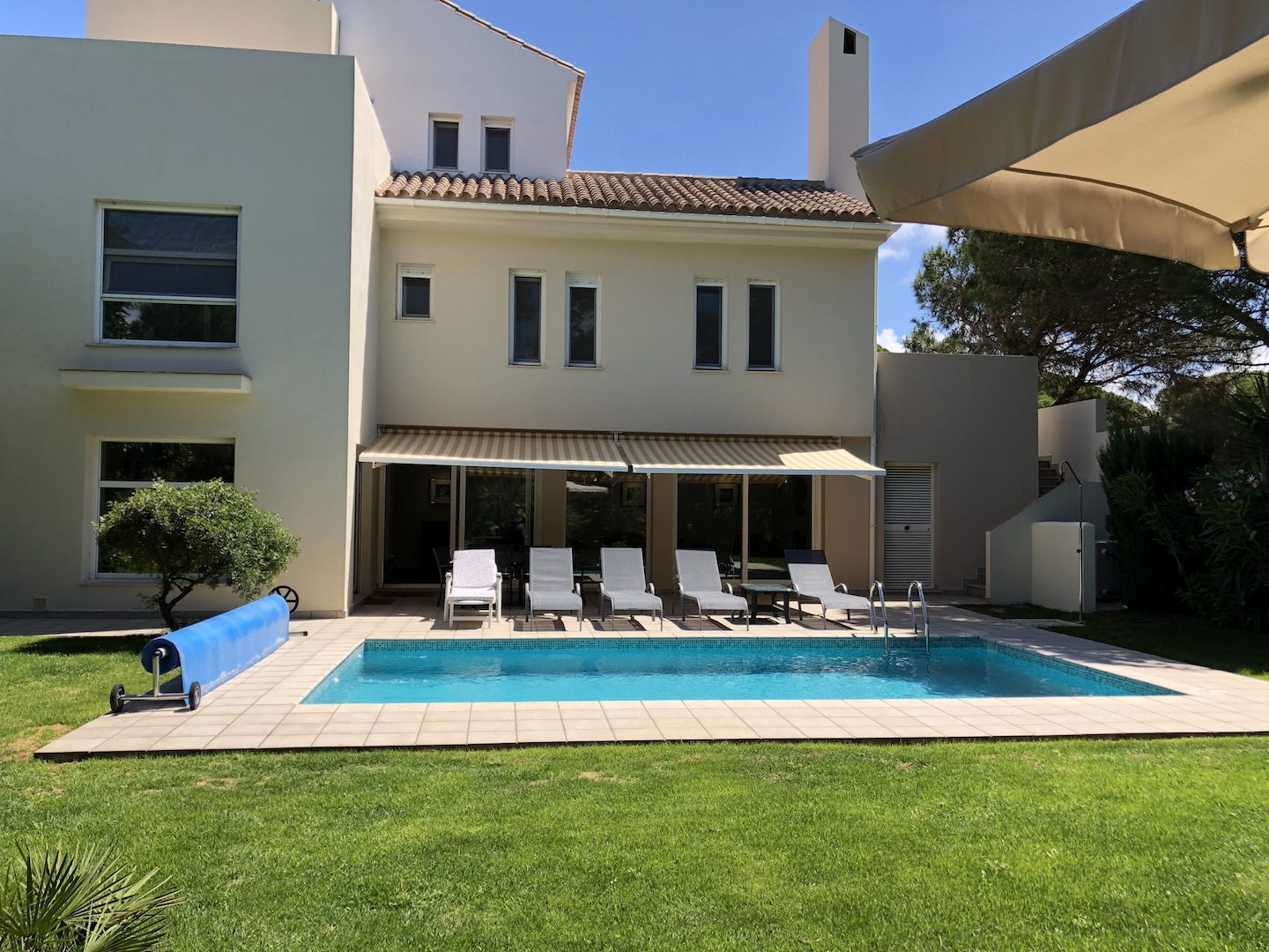 Villa, Pool and Loungers